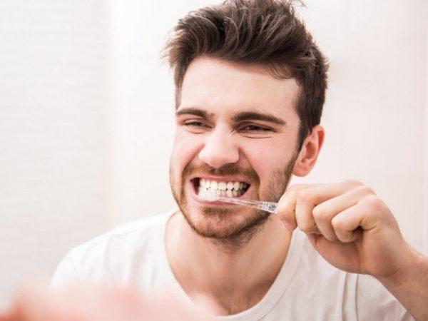 tandenpoetsen bij volwassenen 1